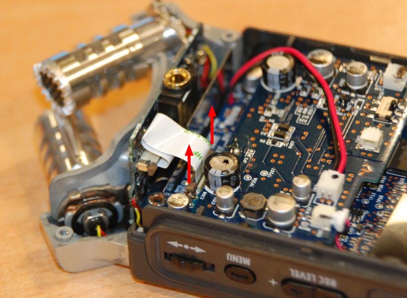 Desconexión del cable plano del micro X-Y