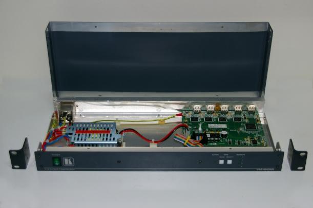 Interior del Kramer VM-4HDMI