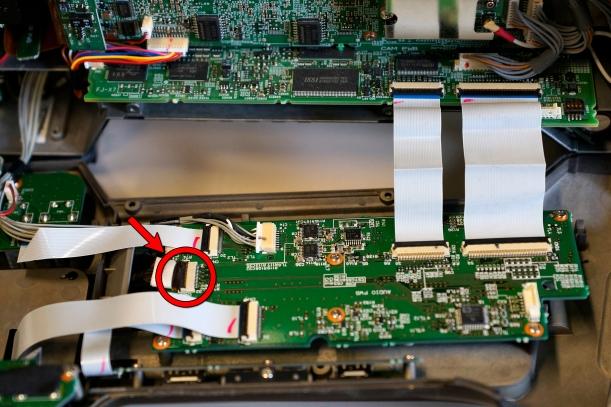 Conector CN62 - Pantalla LCD