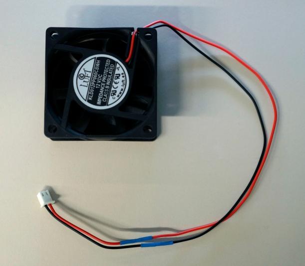 Instalación del conector en el ventilador nuevo