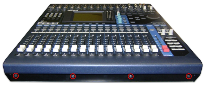 Yamaha_02_O1V96_AbrirFrontal
