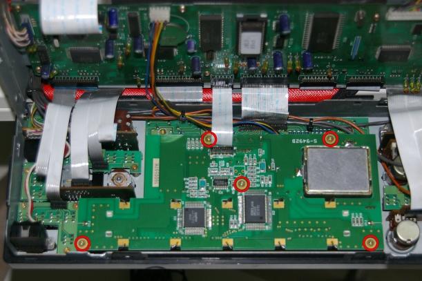 016_Tornillos LCD Assy