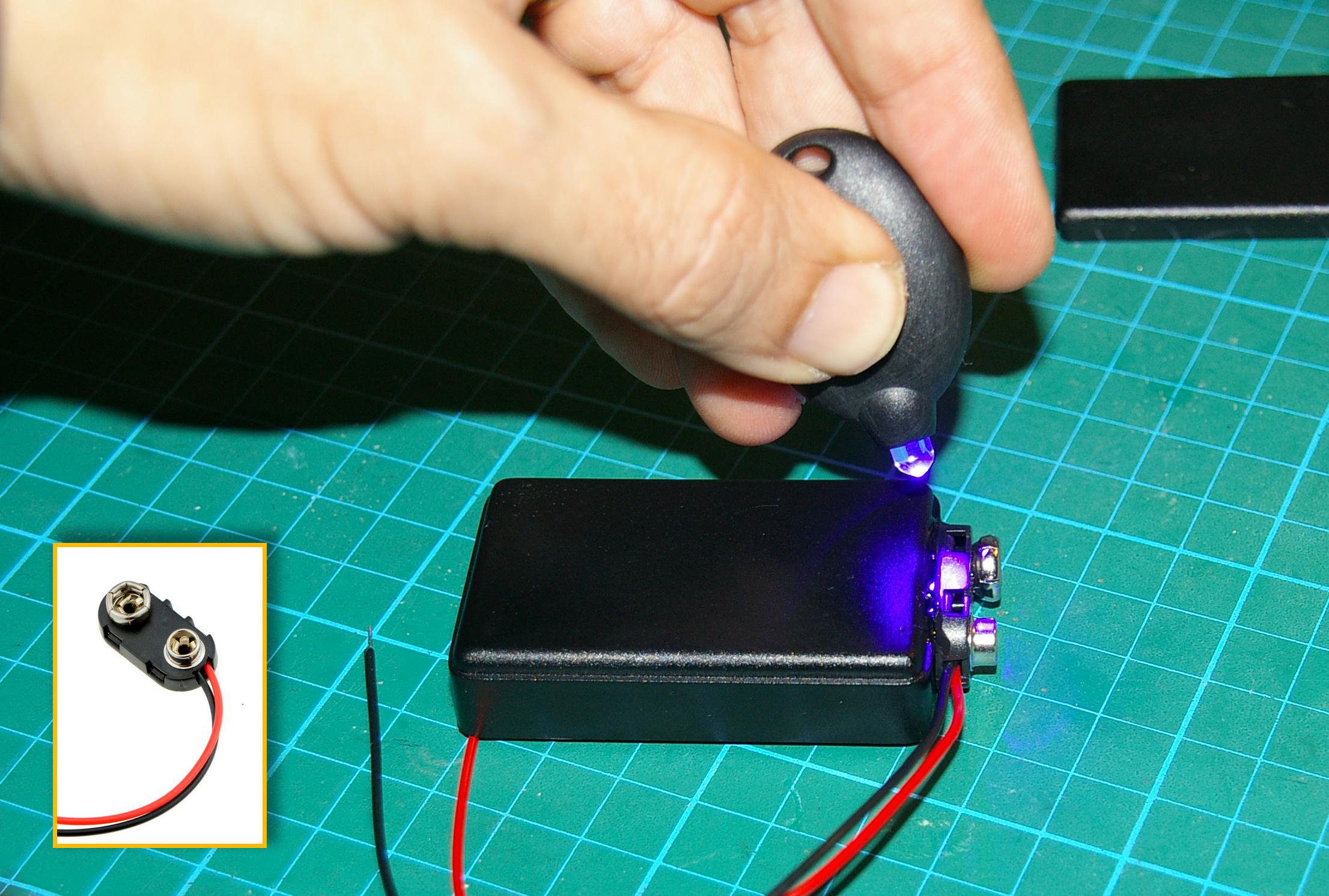 Endurecimiento del adhesivo del portapilas con luz ultravioleta
